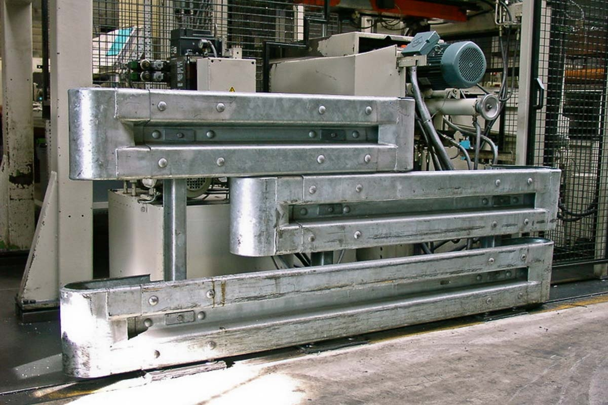 schutzplanken industrie fertigung 2 1200x800 - Rammschutz Fertigungsbetrieb
