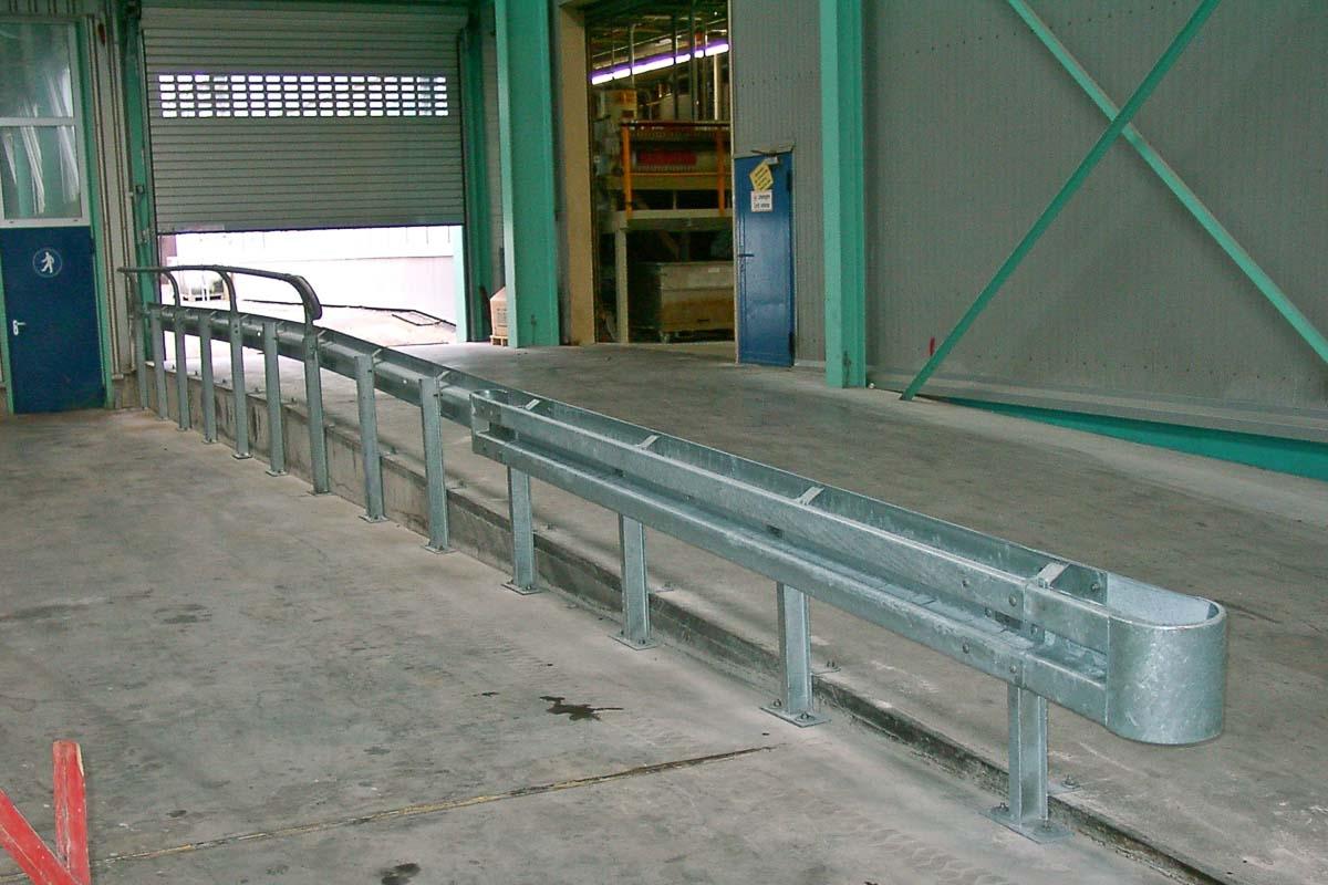 schutzplanken industrie fertigung 4 1200x800 - Rammschutz Fertigungsbetrieb