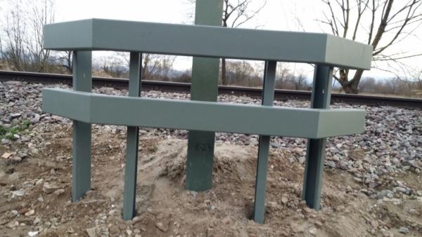 IMG 20180131 WA0019 600x338 - Elektrifizierung Kaiserstuhlbahn, Mastsicherung mit schwerem Anfahrschutz System INDULEIT