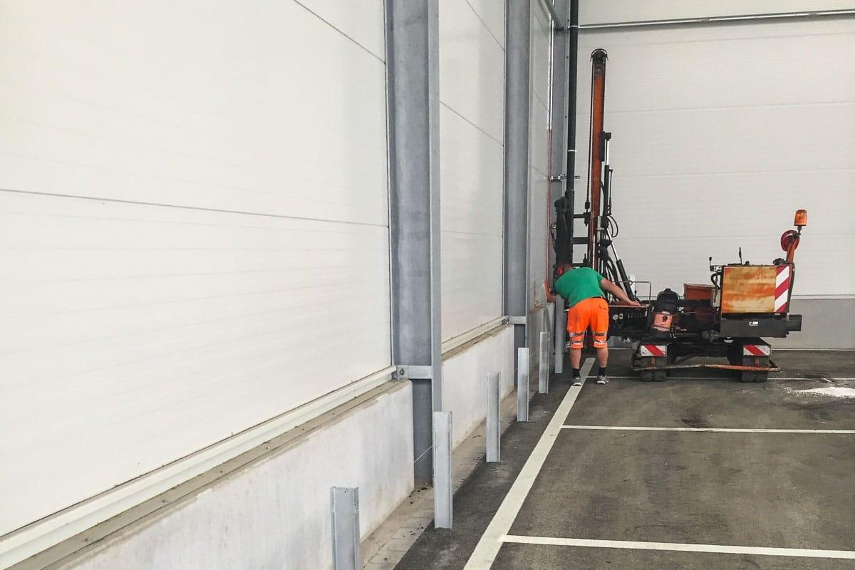 roleit fassadenschutz schutzplanke 2 1200x800 - Fassadenschutz mit Schutzplanken