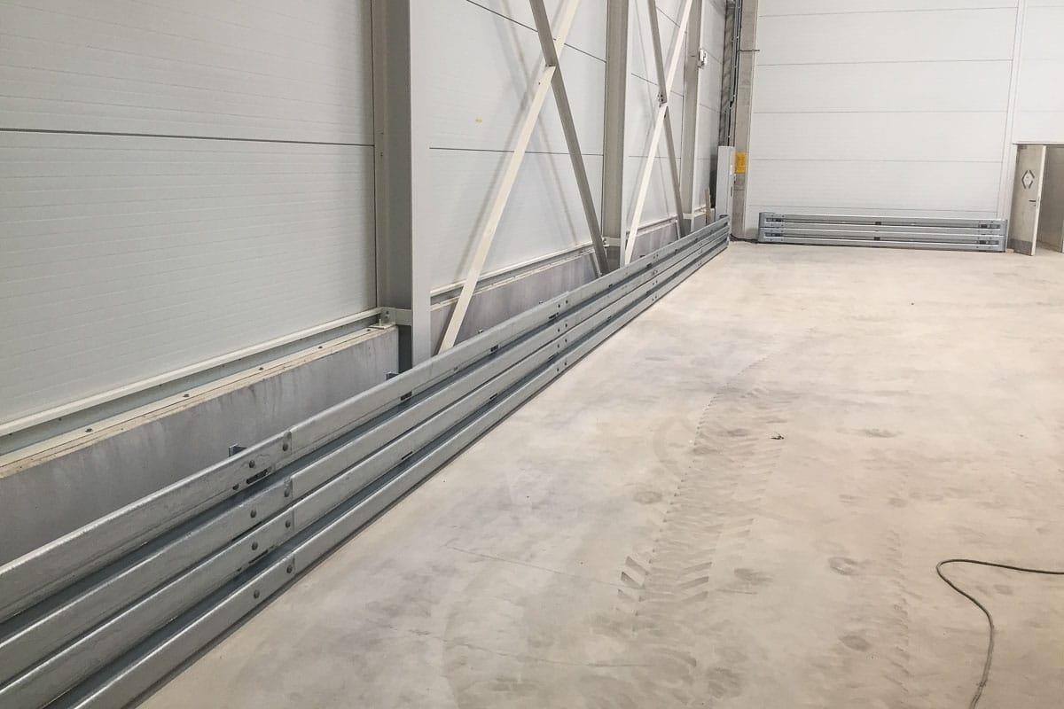 roleit fassadenschutz schutzplanke 3 1200x800 - Fassadenschutz mit Schutzplanken
