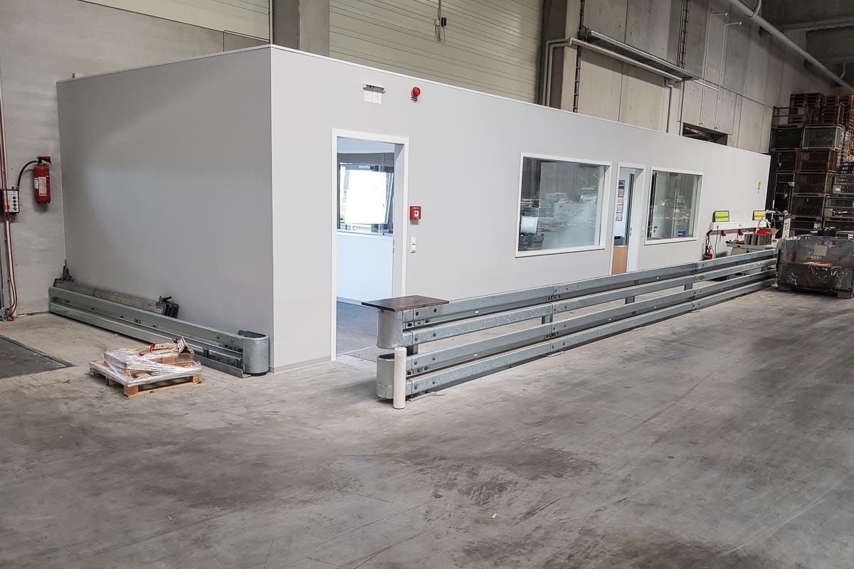 roleit fassadenschutz schutzplanke 6 1200x800 - Fassadenschutz mit Schutzplanken