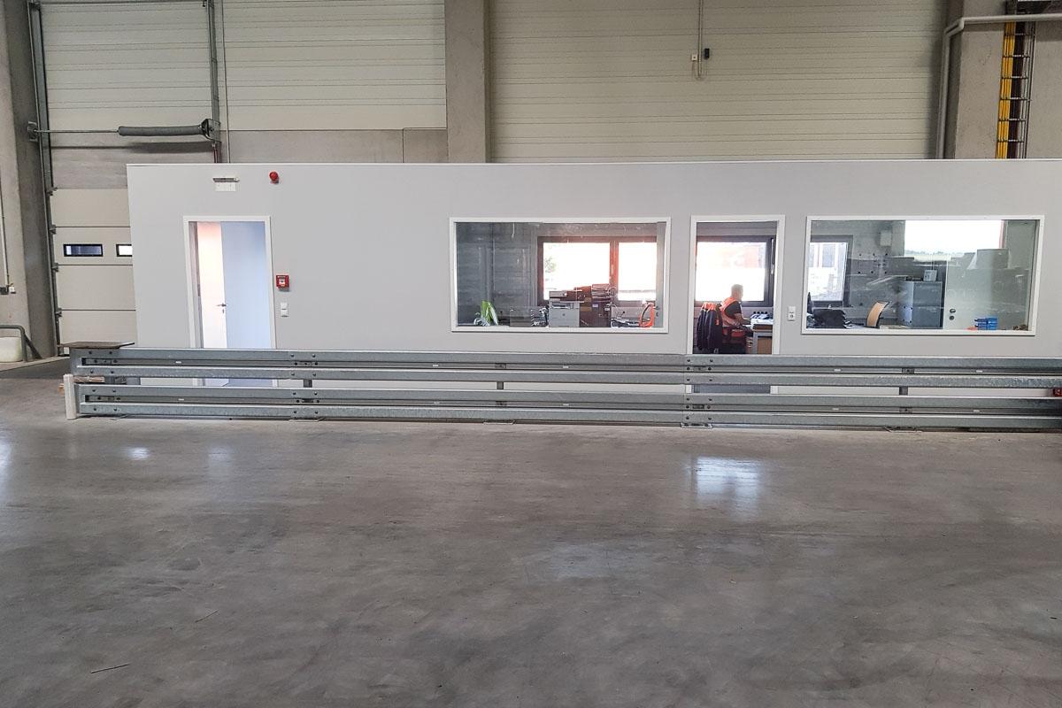 roleit fassadenschutz schutzplanke 7 1200x800 - Fassadenschutz mit Schutzplanken