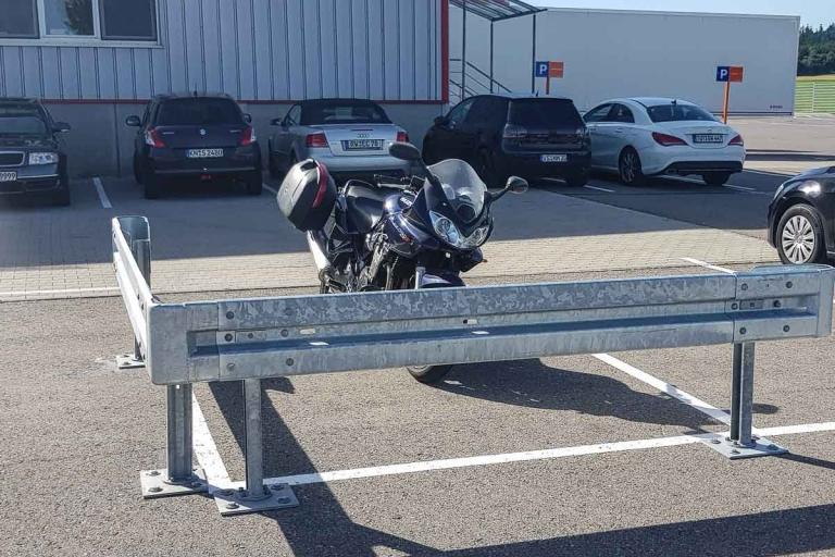 roleit parkplatzsicherung schutzplanke 1 768x512 - Schutzplankenmontage SB-Warenhaus KAUFLAND Aalen