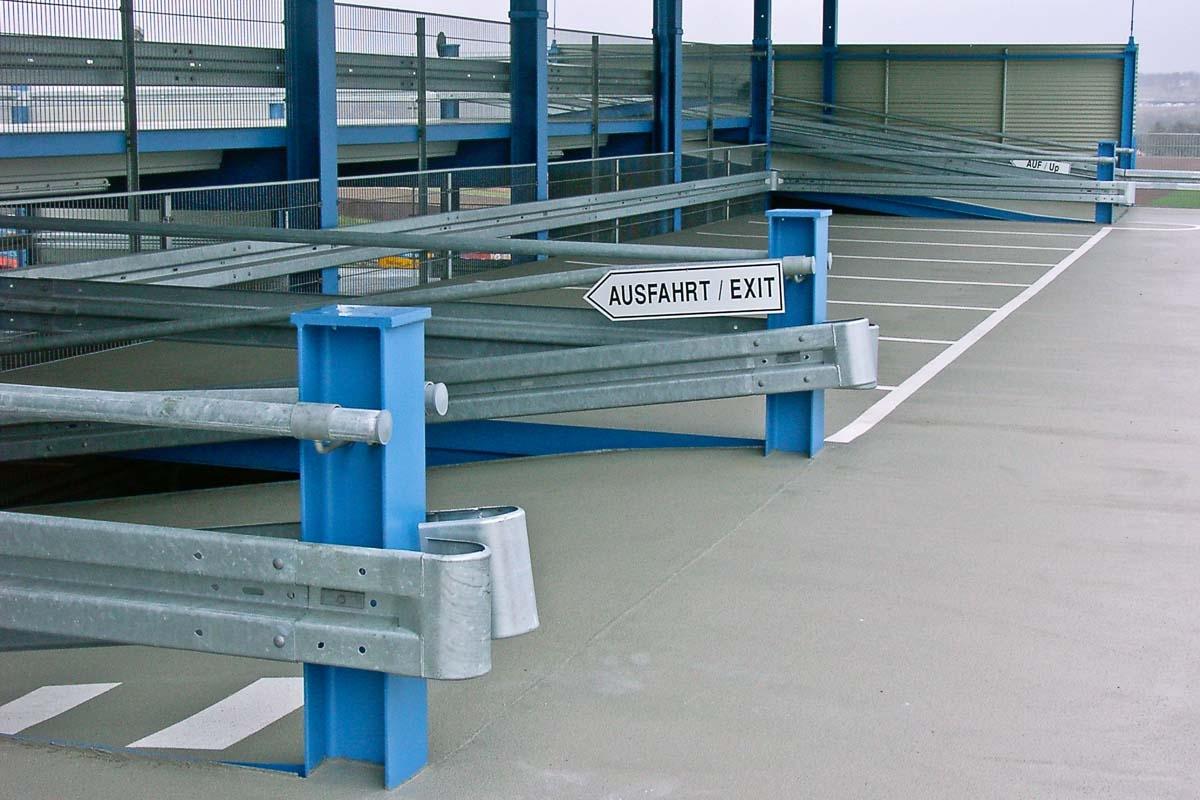 roleit schutzplanken parkhaus 1 1200x800 - Industrieabsicherung
