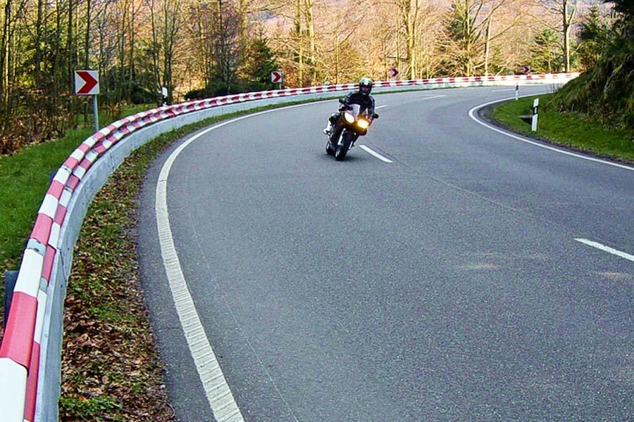 motorrad schutzplanke 1 - Verkehrswegesicherung