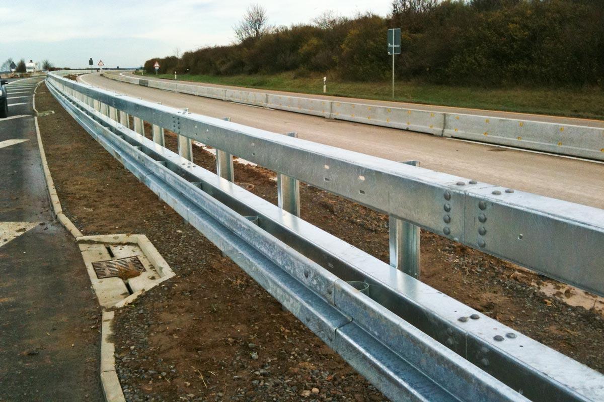 verkehrswegesicherung superrail - Verkehrswegesicherung